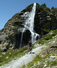 guided mountain bike groups in the alps single rider